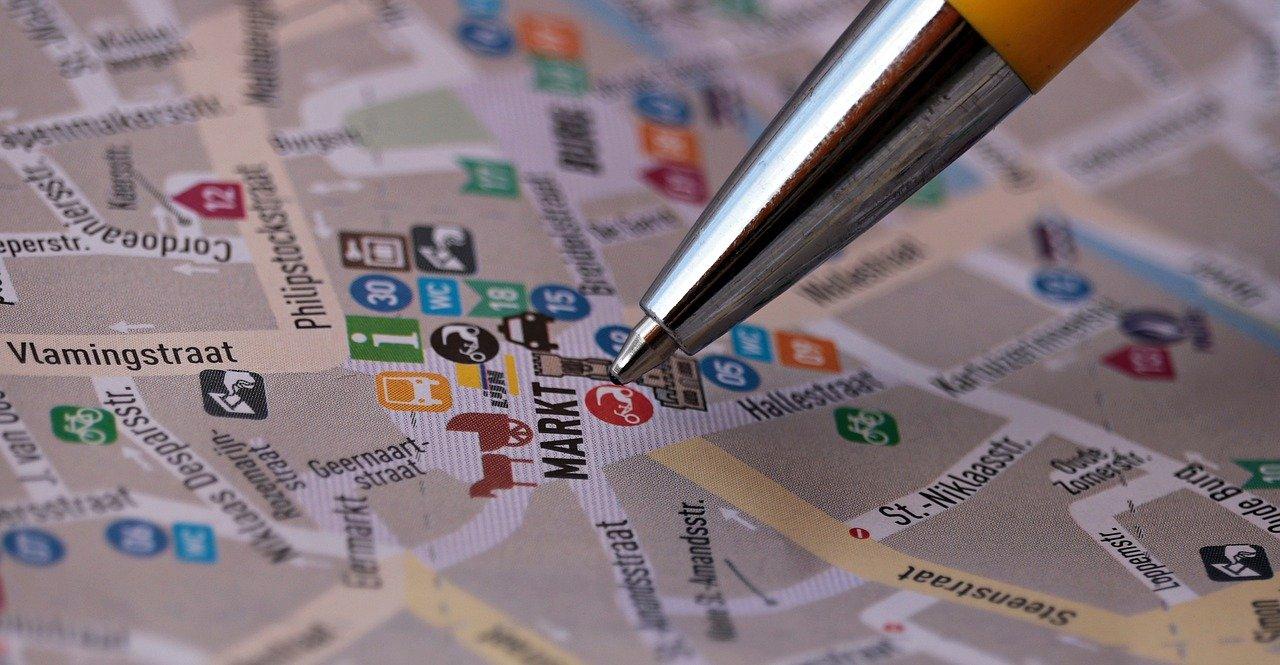 Ilustracja do informacji: Nowa organizacja ruchu w obrębie Rynku w Kurzętniku obowiązująca od 10 czerwca 2021 r.